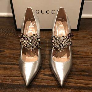 NWT Gucci metallic heels with crystal hearts